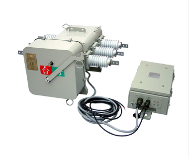 LW3R-12/630-25一二次融合成套柱上断路器